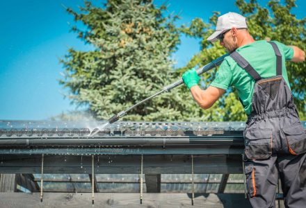 How Do I Know If Gutters Need Cleaning?